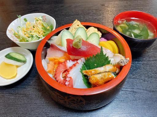 海鮮丼デラックス